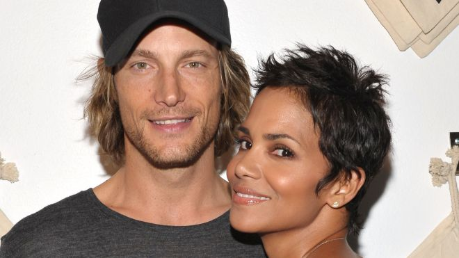 HALLE BERRY AND BABY DADDY