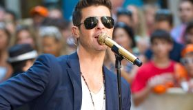 Robin Thicke Performs Live On NBC 'Today'