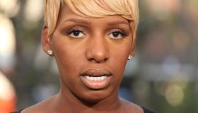 NeNe Leaks, Bill Maher, And Cast Of 'Happy Endings' On 'Extra'