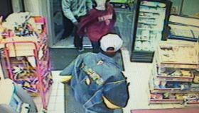 030116 Indy Gas Station Robber Suspects Photo 2