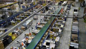 FRANCE-BUSINESS-DISTRIBUTION-AMAZON