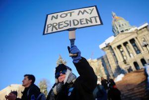 TOPSHOT-US-POLITICS-VOTE-TRUMP-PROTEST