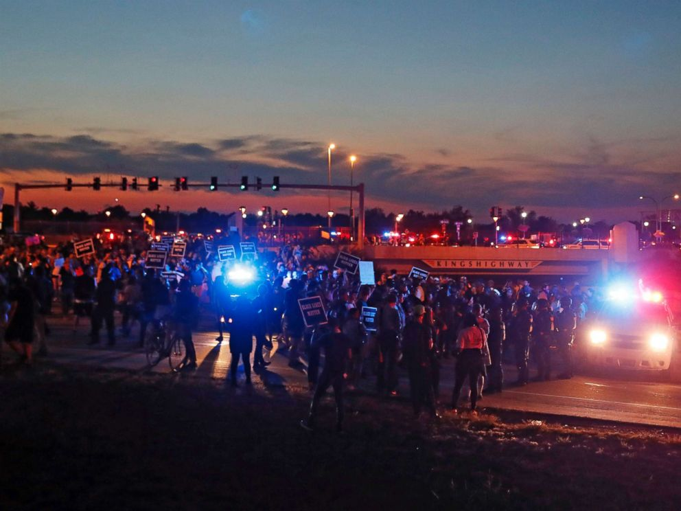 protest-st-louis-01-night-as-170915_4x3_992