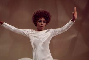 Diahann Carroll Performing On 'The Bob Goulet Show'