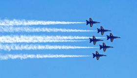 Navy's Blue Angels salue South Florida's healthcare teams and first responders